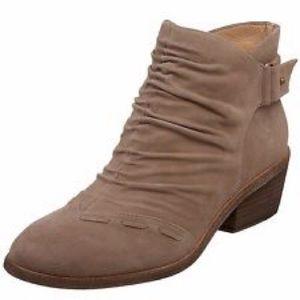 Boutique 9 tan suede zipper ankle booties size 9